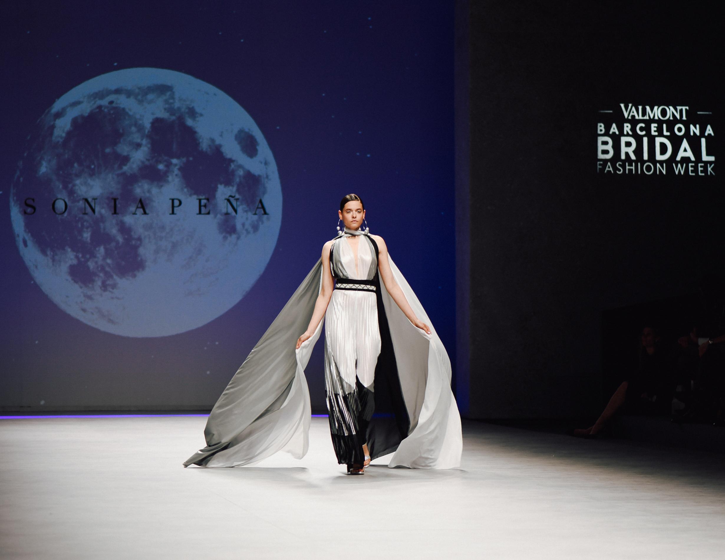 <span>Fashion Week</span>Sonia Peña