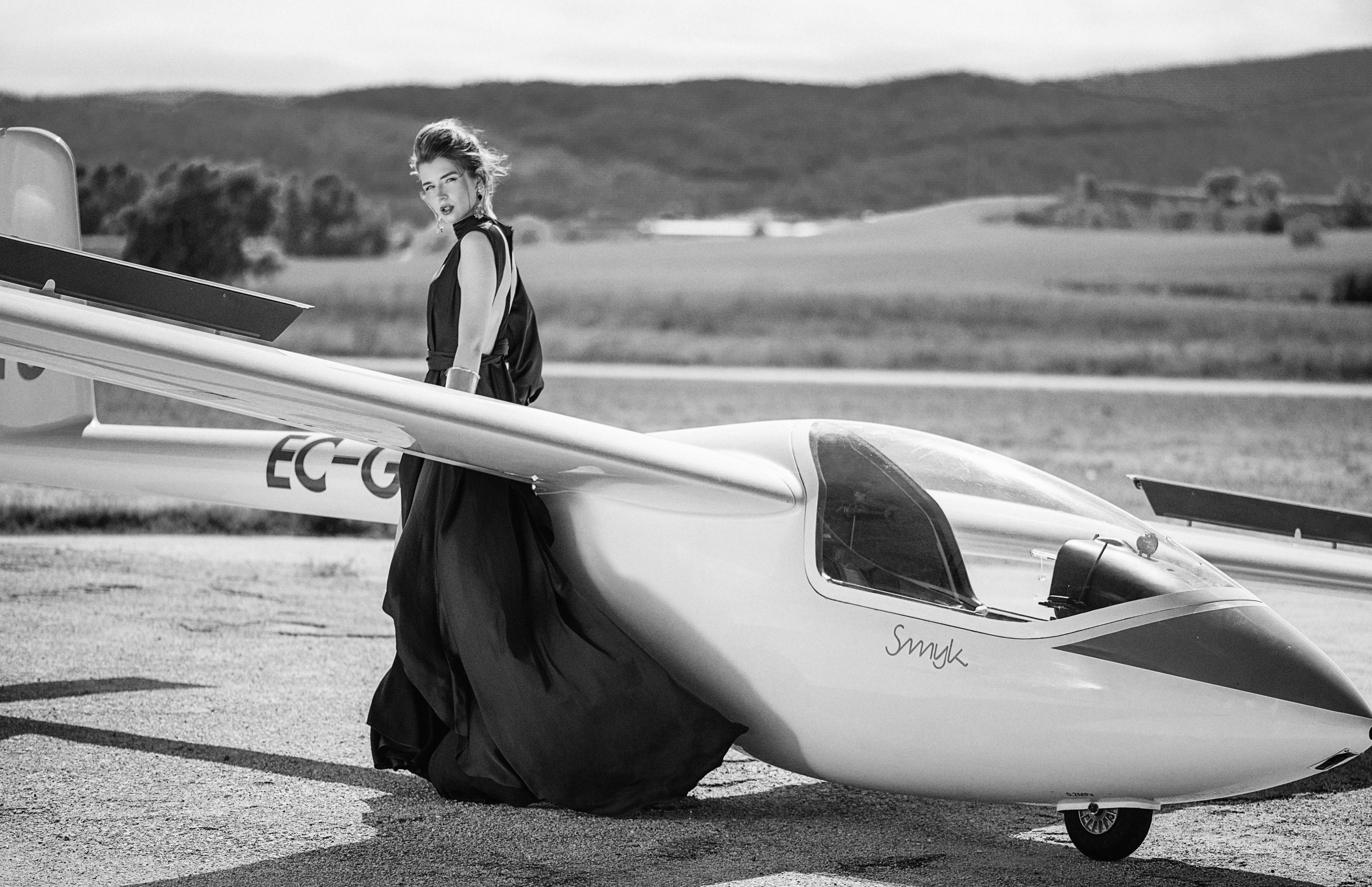 "<span>Product shooting & Campaign</span>""Just fly"" for Glamour Magazine"